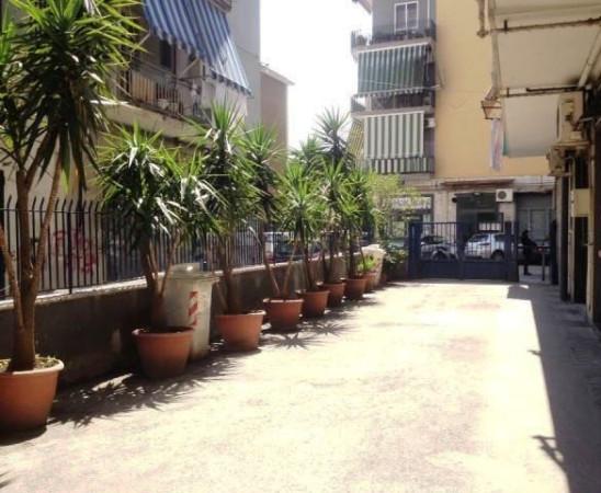 Bilocale Napoli Via Ettore Bellini 4
