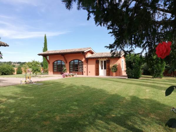 Rustico / Casale in vendita a Montefalco, 6 locali, Trattative riservate | Cambio Casa.it
