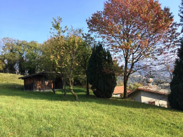 Villa in vendita a Caglio, 6 locali, prezzo € 260.000 | CambioCasa.it