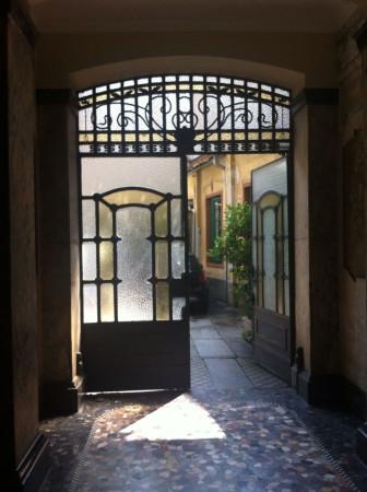 Bilocale Milano Via Carlo Poma 1