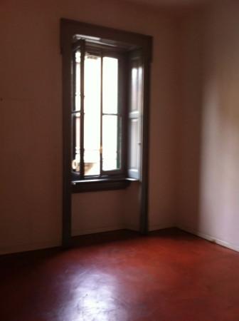 Bilocale Milano Via Carlo Poma 7