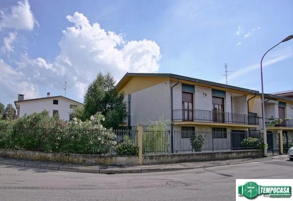 Villa in vendita a Peschiera Borromeo, 4 locali, prezzo € 330.000 | Cambio Casa.it