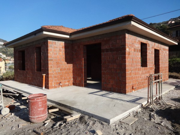 Villa in vendita a Vallecrosia, 3 locali, prezzo € 250.000 | Cambio Casa.it