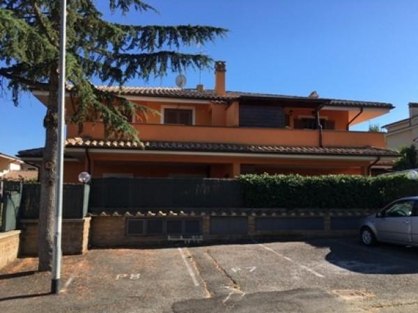 Bilocale Manziana Via Del Ponte 2