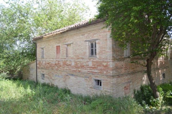 Rustico / Casale in vendita a Morrovalle, 2 locali, prezzo € 95.000 | Cambio Casa.it
