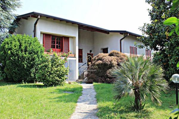 Villa in vendita a Casatenovo, 6 locali, prezzo € 415.000 | Cambio Casa.it