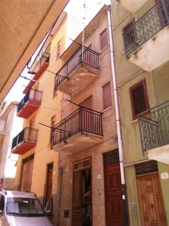 Palazzo in Vendita a Caccamo Centro: 5 locali, 130 mq