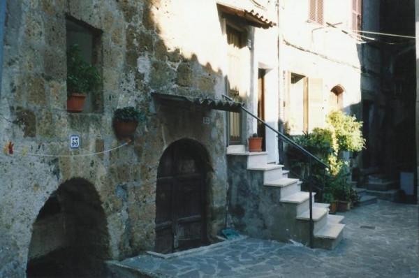 Bilocale Bassano Romano Via Del Governo Vecchio 2