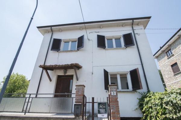 Villa in Vendita a Agazzano
