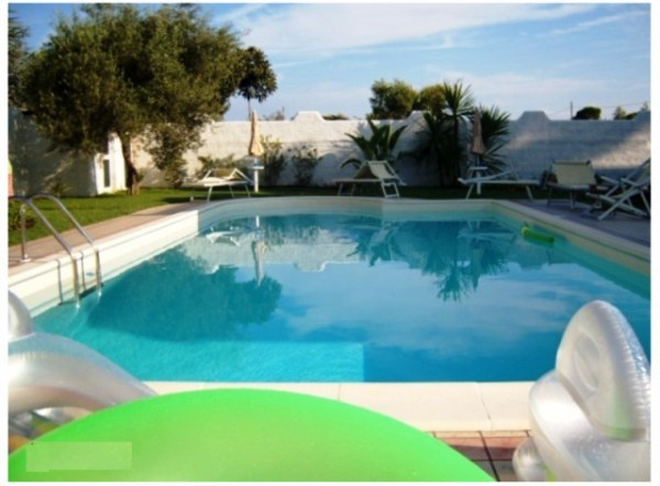 Villa in vendita a Terracina, 6 locali, prezzo € 550.000 | Cambio Casa.it