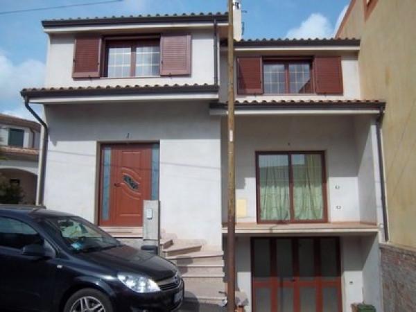 Villa in vendita a Villaputzu, 6 locali, prezzo € 190.000 | Cambio Casa.it
