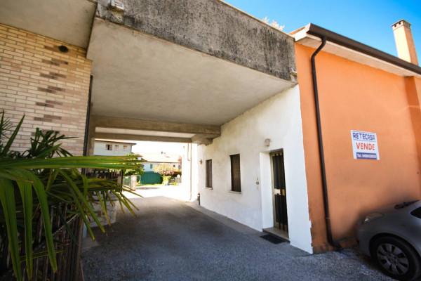 Bilocale Carmignano di Brenta Via Vegri Vecchia 7