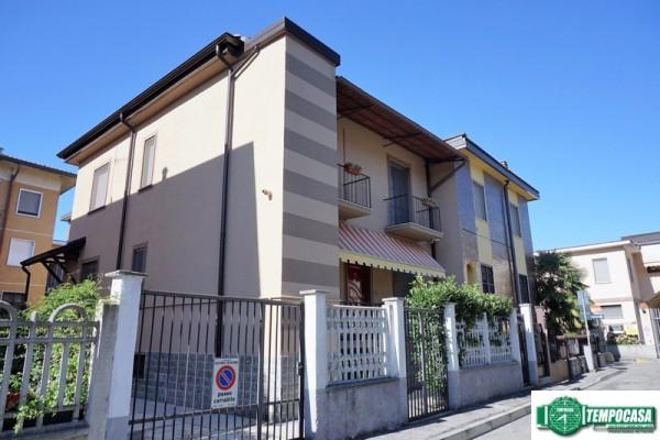 Villa a Schiera in vendita a Peschiera Borromeo, 3 locali, prezzo € 250.000 | Cambio Casa.it