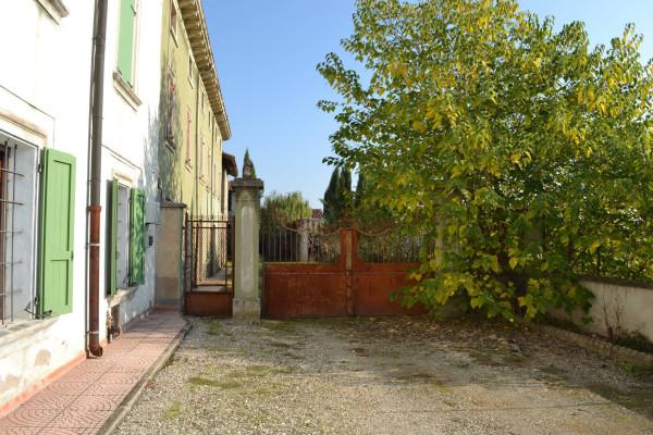 Rustico / Casale in vendita a Roverbella, 6 locali, prezzo € 130.000 | Cambio Casa.it