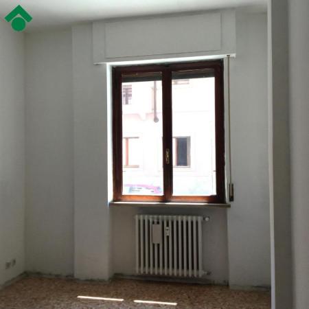 Bilocale Novara Via Perazzi 3