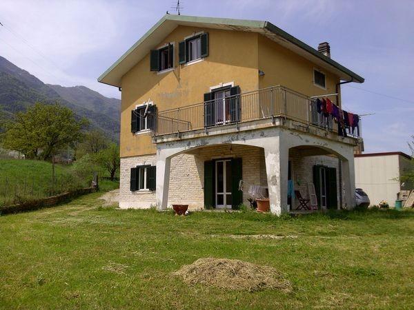 Villa in Vendita a Morolo