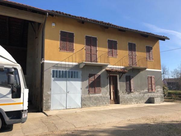Rustico / Casale in vendita a Chieri, 6 locali, prezzo € 220.000 | Cambio Casa.it
