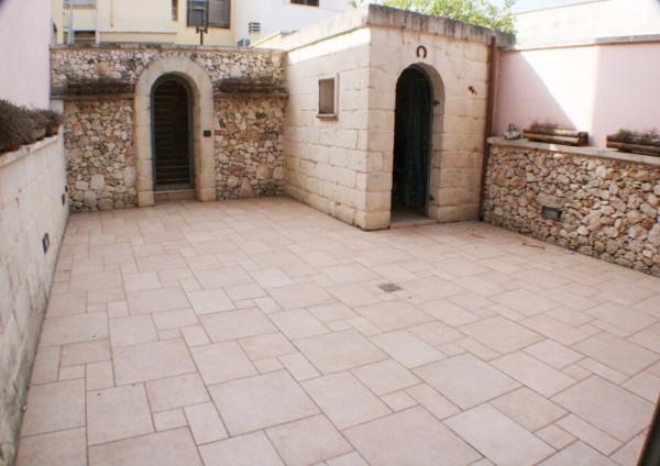 Appartamento in vendita a Lizzanello, 4 locali, prezzo € 160.000 | Cambio Casa.it