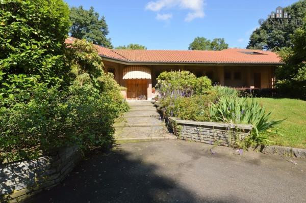 Villa in Vendita a Castellamonte Periferia: 5 locali, 390 mq