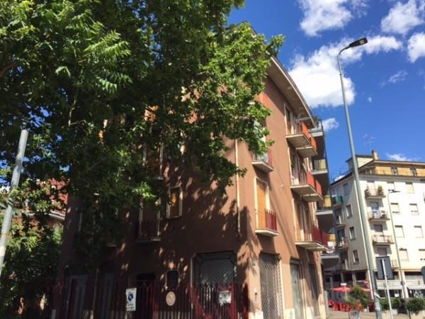 Bilocale Milano Via Giuseppe Taccioli 2