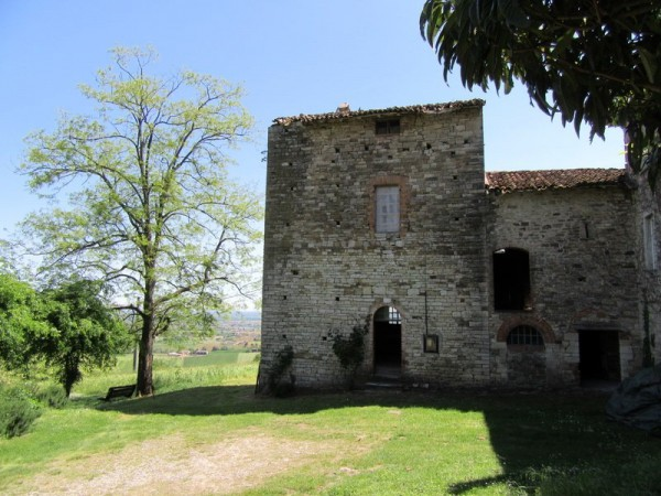 Rustico in Vendita a Agazzano Periferia: 4 locali, 330 mq