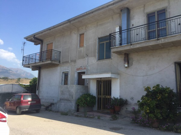 Appartamento in vendita a Giffoni Valle Piana, 3 locali, prezzo € 70.000 | Cambio Casa.it