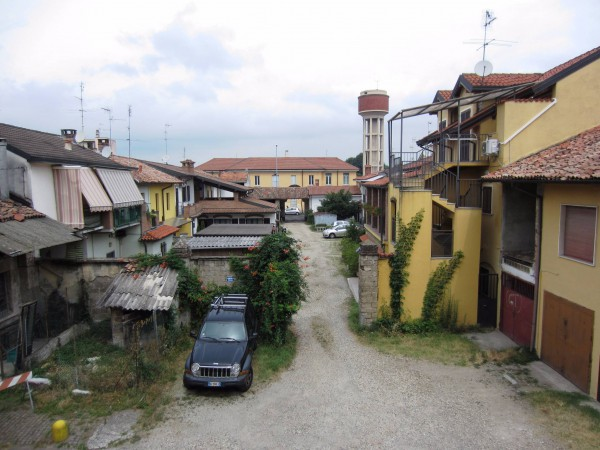 Bilocale Motta Visconti Via Gigi Borgomaneri 9