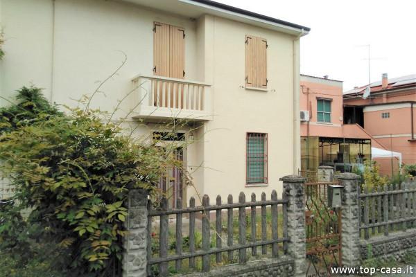 Villa in vendita a Argenta, 4 locali, prezzo € 108.000 | Cambio Casa.it