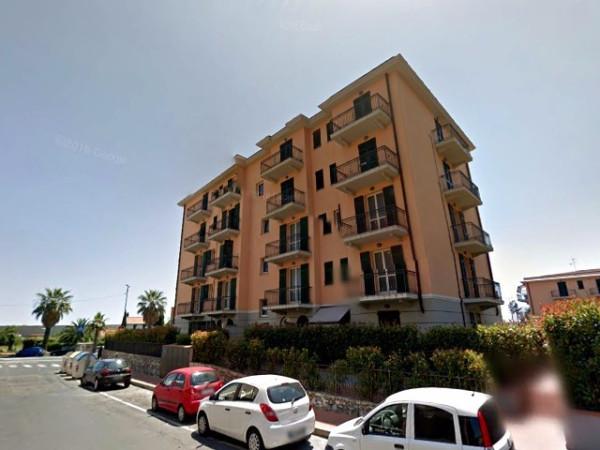Appartamento in vendita a Imperia, 2 locali, prezzo € 150.000 | Cambio Casa.it