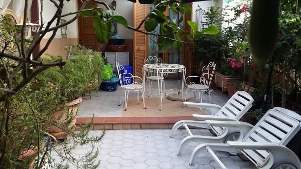 Appartamento in vendita a Pozzuoli, 4 locali, prezzo € 350.000   Cambio Casa.it