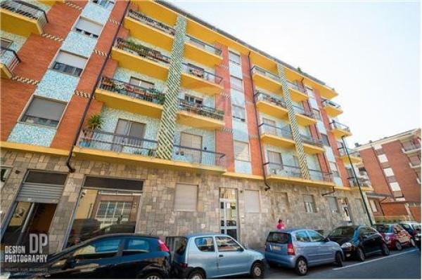 Bilocale Torino Via Camillo Riccio 2