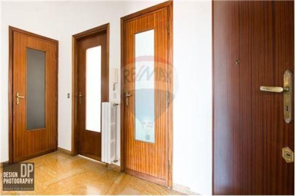 Bilocale Torino Via Camillo Riccio 4