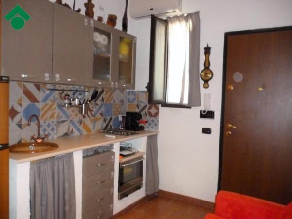Bilocale Palermo Via Giardina, 73 13