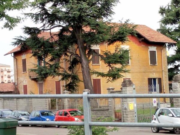 Bilocale Milano Via Comasina 7