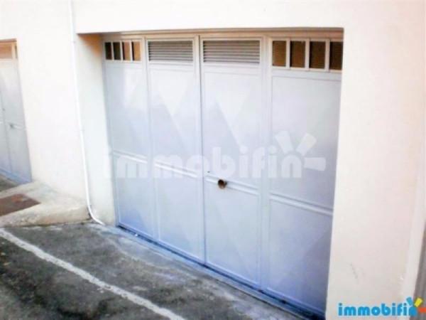 Attività / Licenza in vendita a Oria, 1 locali, prezzo € 14.000   Cambio Casa.it