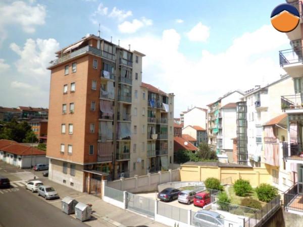 Bilocale Torino Via Carolina Invernizio 10