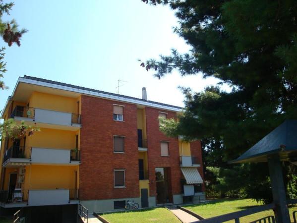 Appartamento in vendita a Caponago, 3 locali, prezzo € 98.000   Cambio Casa.it