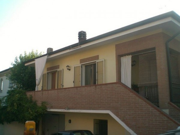 Villa a Schiera in vendita a Castelnuovo Rangone, 3 locali, prezzo € 260.000 | Cambio Casa.it
