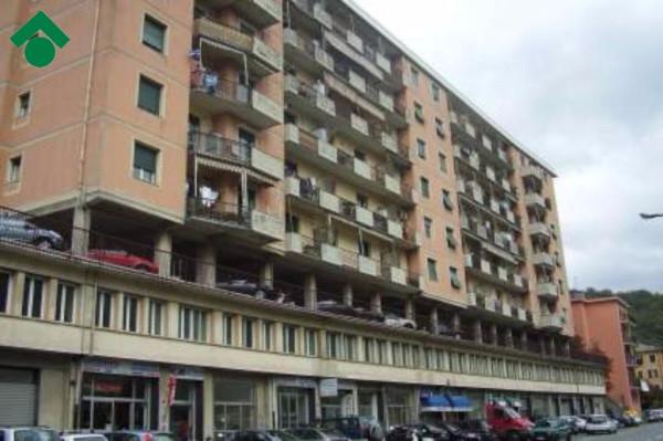 Bilocale Genova Via Molassana 1
