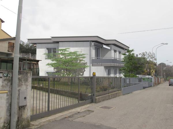 Villa in vendita a Lonato, 4 locali, prezzo € 185.000 | Cambio Casa.it