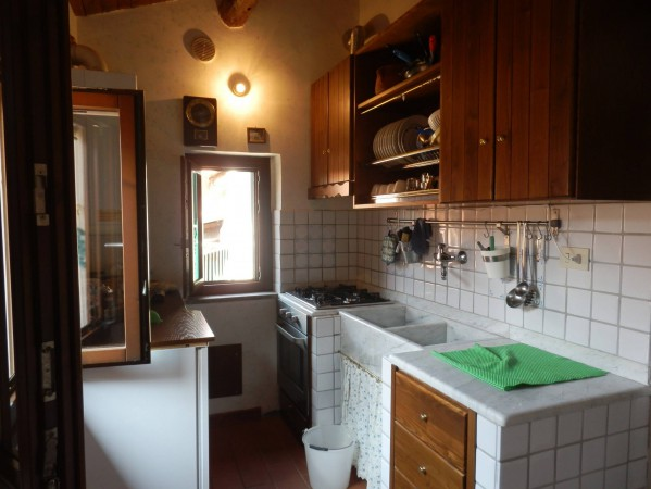 Bilocale Lanuvio Via Marcantonio Colonna 2