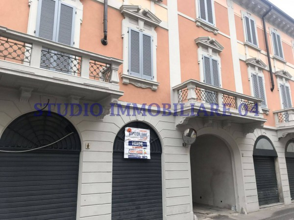 Negozio / Locale in vendita a Monza, 1 locali, zona Zona: 1 . Centro Storico, San Gerardo, Via Lecco, prezzo € 120.000 | Cambio Casa.it