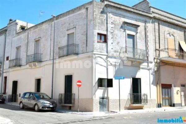 Appartamento in vendita a Oria, 6 locali, prezzo € 270.000 | Cambio Casa.it