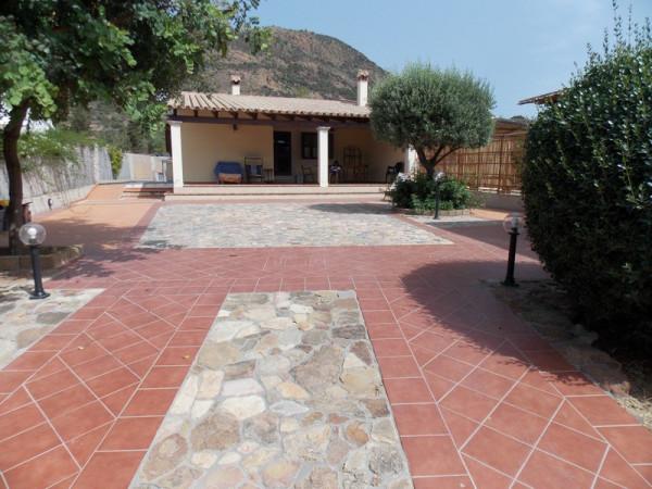 Villa in vendita a Muravera, 5 locali, prezzo € 380.000 | CambioCasa.it
