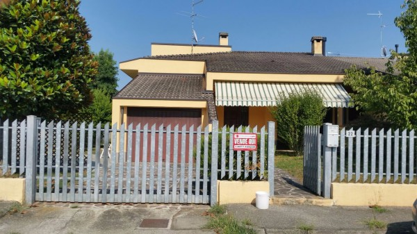 Villa in vendita a San Fiorano, 5 locali, prezzo € 255.000 | Cambio Casa.it