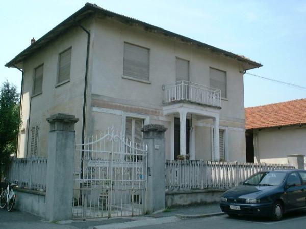 Villa in Vendita a Collegno: 375 mq