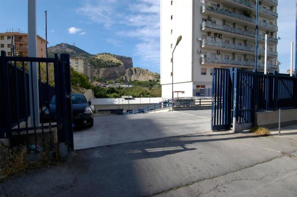 Magazzino in vendita a Palermo, 9999 locali, prezzo € 400.000 | Cambio Casa.it