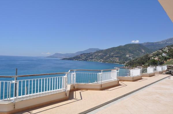 Appartamento in Vendita a Ventimiglia: 3 locali, 244 mq