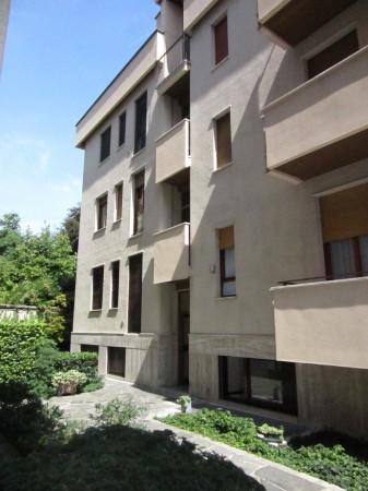 Bilocale Milano Via Monferrato 1