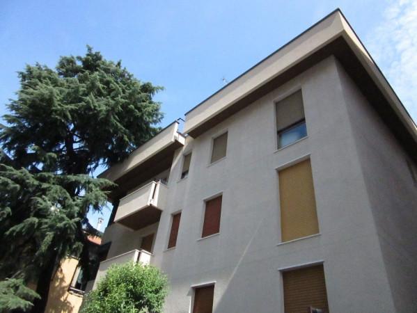 Bilocale Milano Via Monferrato 10